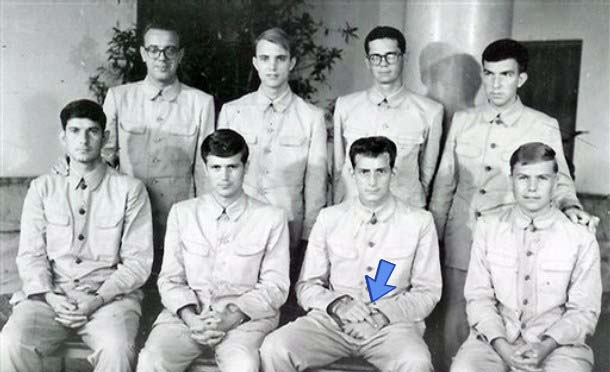 uss pueblo propaganda photo with sailor flipping off the camera